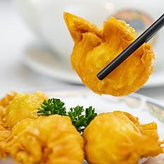 沙律明虾角/Deep Fried Shrimp Dumplings with Salad