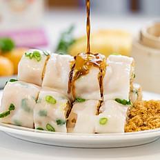 肉松炸两肠/Dried Pork & Chinese Donut in Rice Noodle Wrap