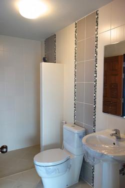 Bathroom 4th floor 2 CS030.jpg