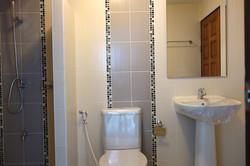 Bathroom 4th floor CS030.JPG