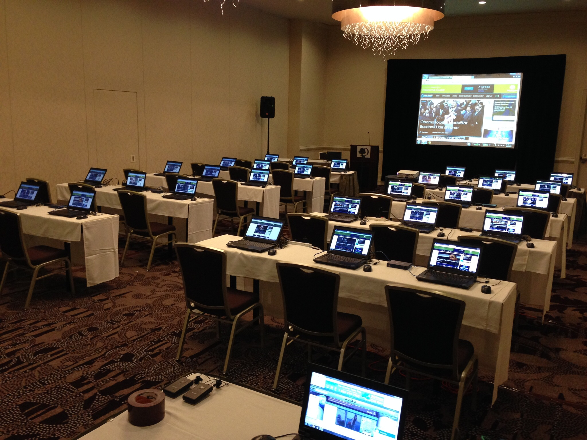 30 Laptop Training Room Set