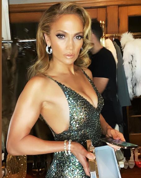 date night makeup look for women over 40