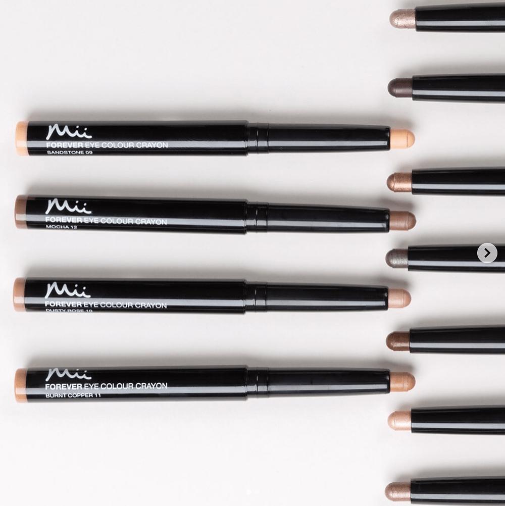 the easiest eyeshadow for women over 40