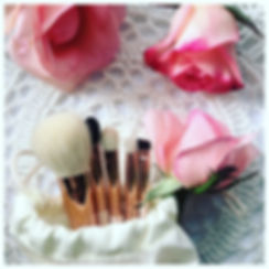 Amanda Ramsay MakeupBrushes in calico pouch