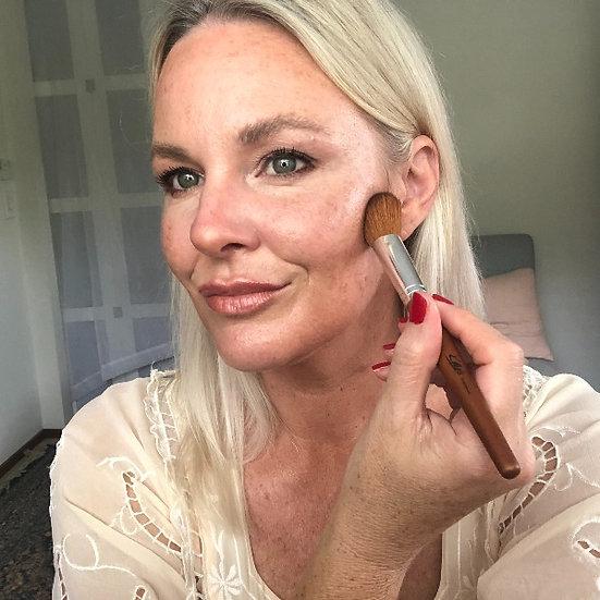 Kylie's Professional Angled Blush/Contour Brush