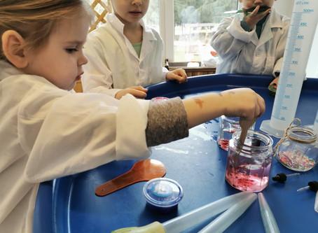 Mįsliaus dirbtuvių Laboratorija: tyrinėjimai ir eksperimentai