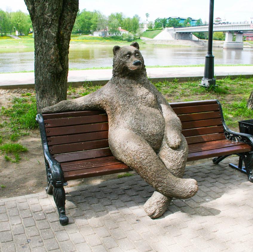 Медведь на набережной А.Невского
