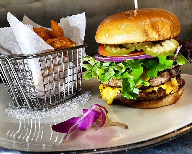 We do burgers 🍔 right _thearmedchef #lexingtonnc #lexington #nc #uptownlexington #uptownlexingtonnc