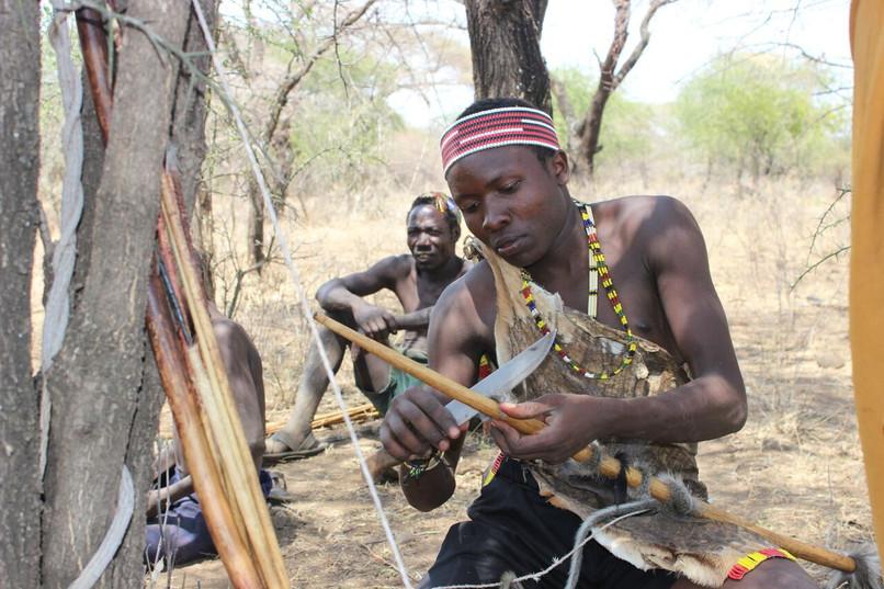 Arrow making Hadza-49.jpg