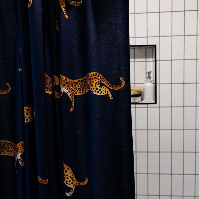 Jaguar Shower