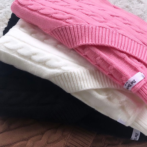 KNITTED PINK VEST