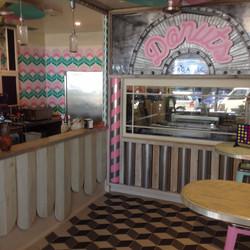 beaches & cream shop byron bay