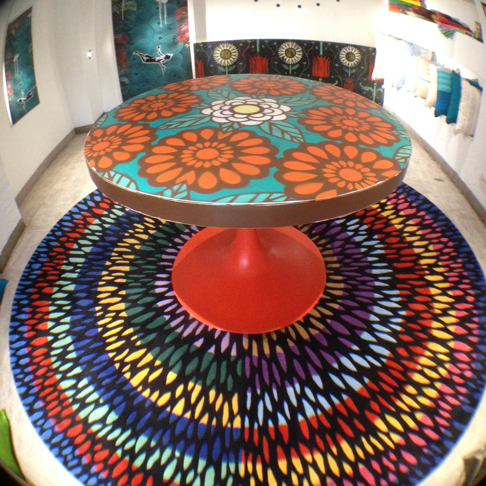 Betty flowers table // epoxy resin
