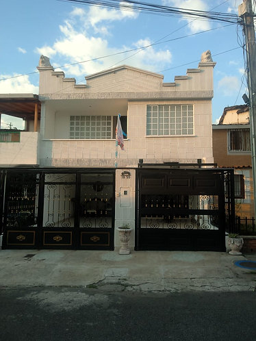 Se Vende Casa en Provenza, Calle 99 # 19 - 95
