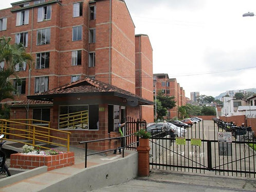 Se Arrienda Apartamento en CR Santa Coloma Cod-80156