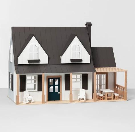 Farmhouse Dollhouse