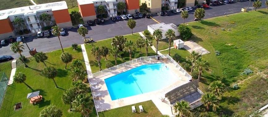Island Retreat II Pool.jpg