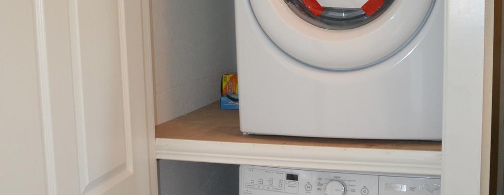 115 Washer & Dryer.jpg