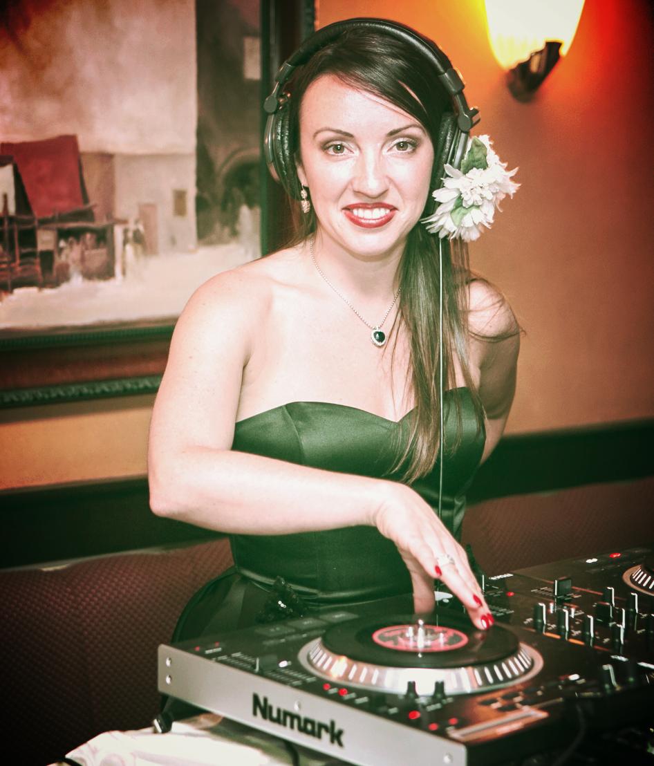 DJ VERONICA