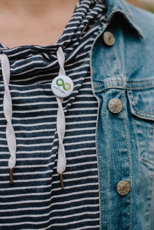 Auftragen-Button auf T-Shirt