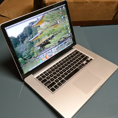 """Macbook Pro 15"""" -i7 Very Fast - Large Screen - Excellent Shape"""