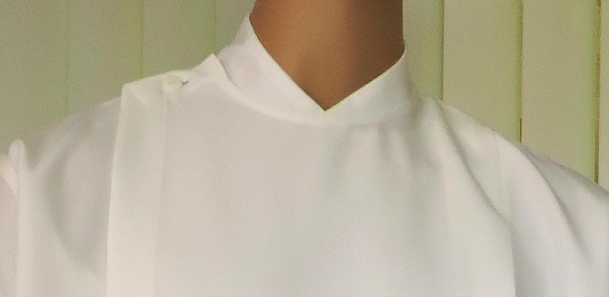 C)  Roll Collar - V design