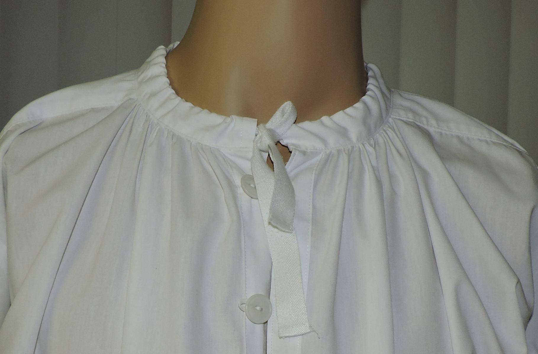 B)  Round Collar