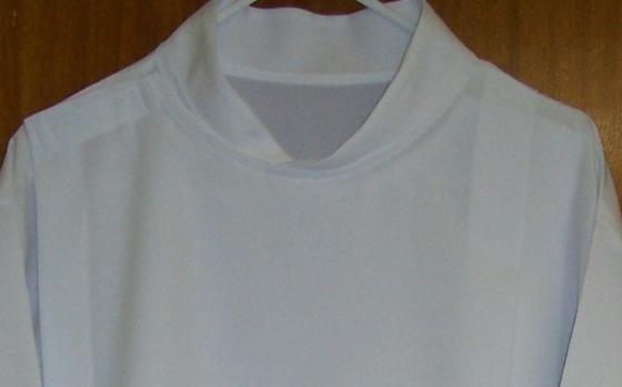 E)  Roll collar - V design