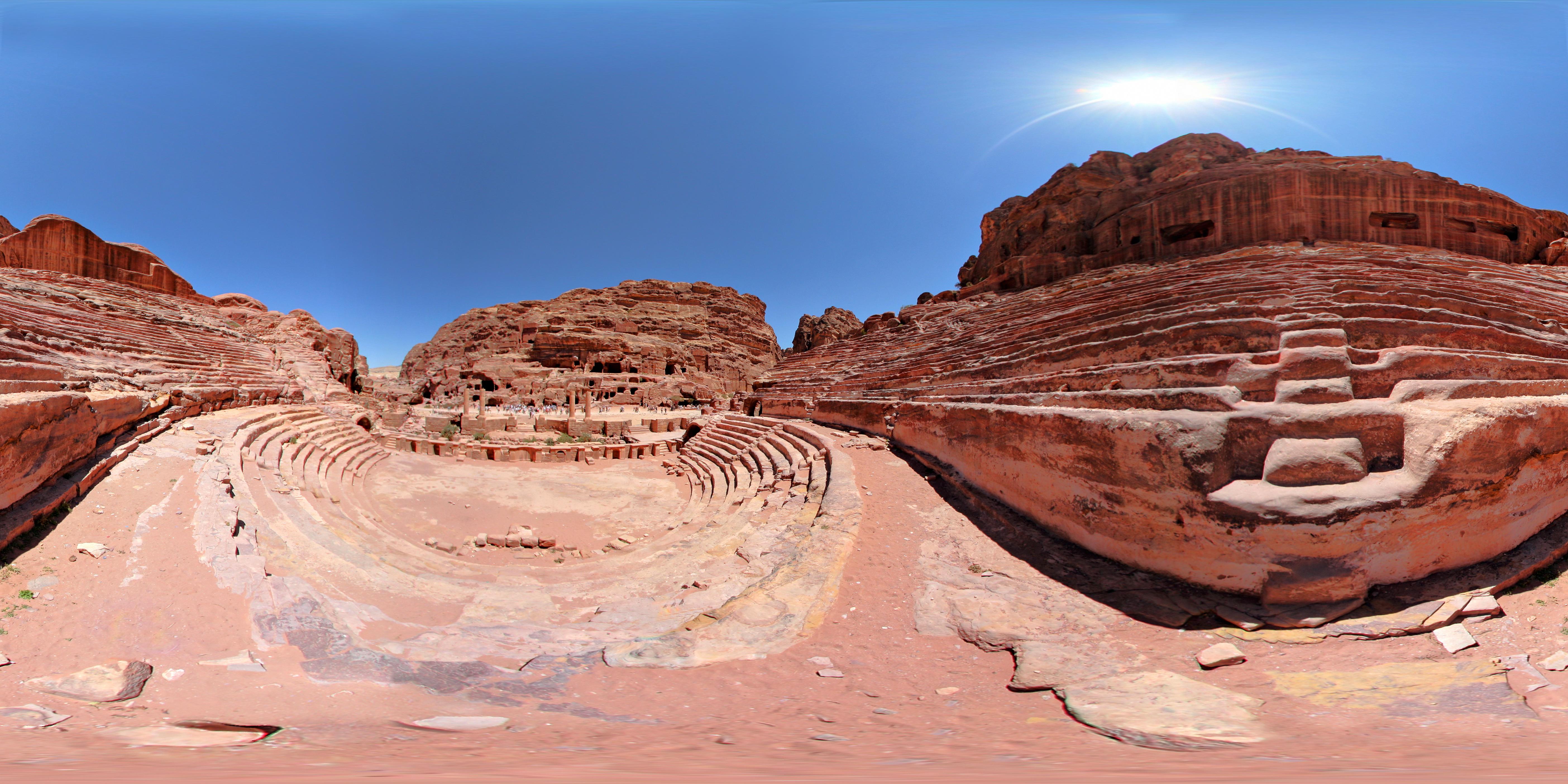 28 Amphitheatre