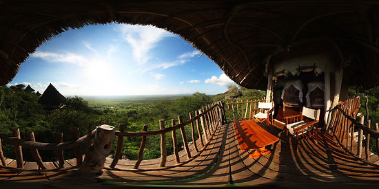 Lions Bluff Lodge in Tsavo East - Kenya