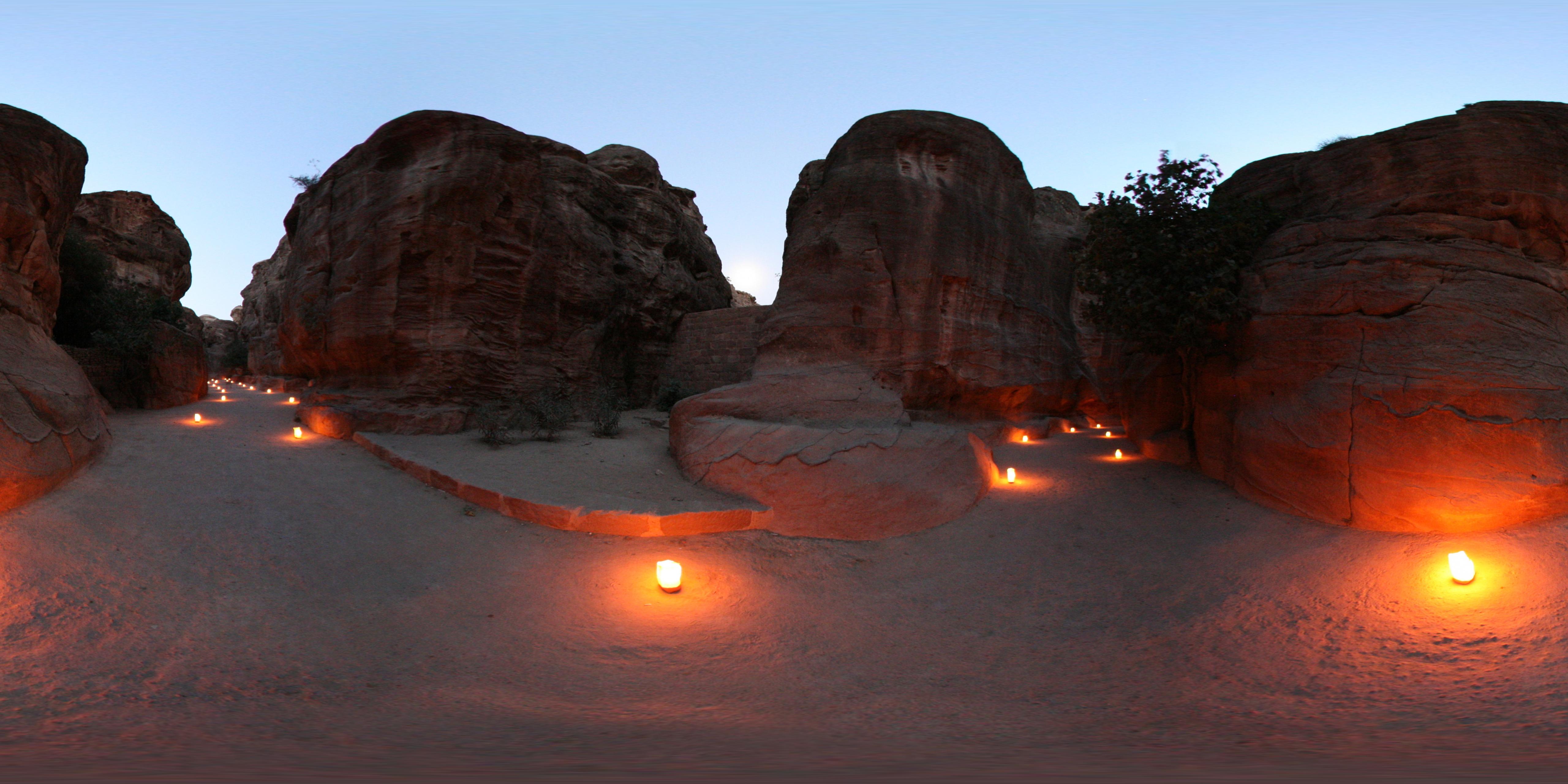 04a Siq Candles