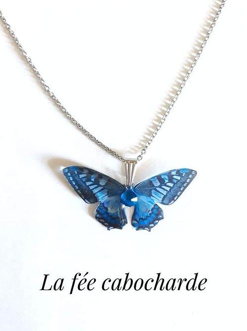 "Pendentif ""Papillon cristallisé"" bleu"