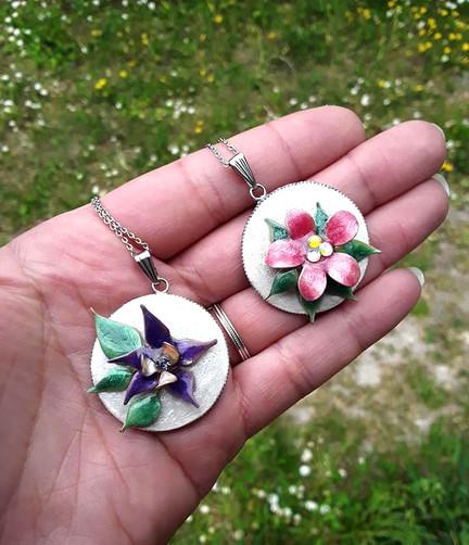Médaillons petites fleurs