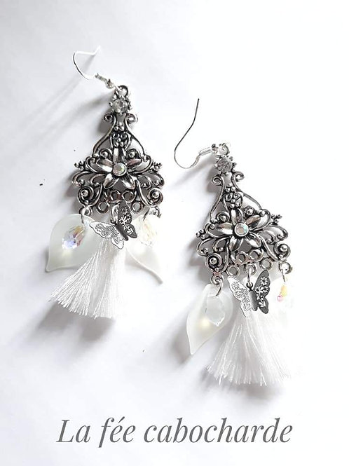 "Boucles ""Arum"" blanches"