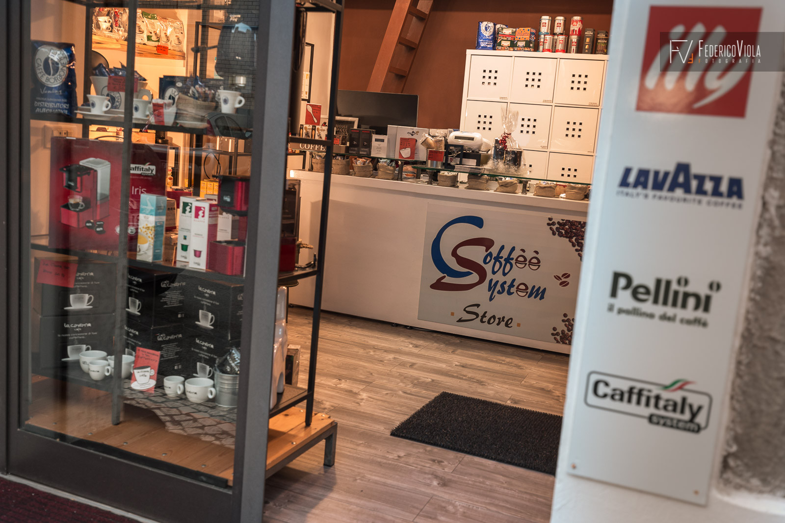 Foto-negozio-Coffee-System-Terracina-Federico-Viola-Fotografia