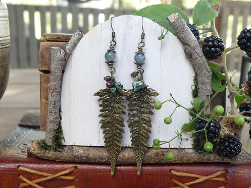 Boucles longues ~Fangorn~ Agate mousse, péridot, grenat