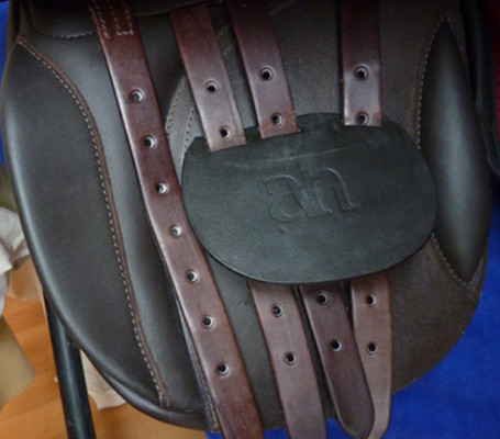 Saddle fitting, which girth straps to use?
