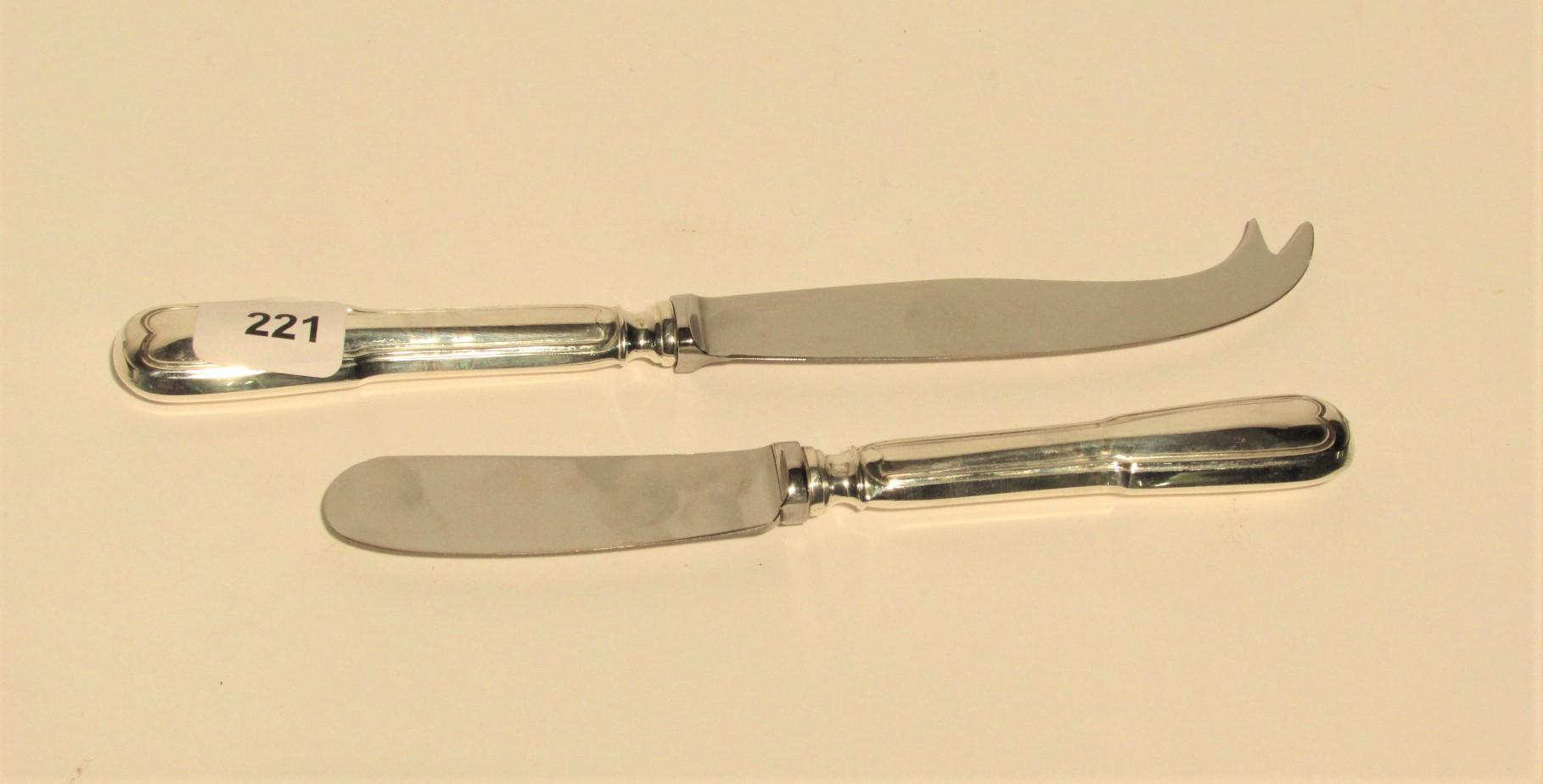 Couteau à beurre et couteau à fromag