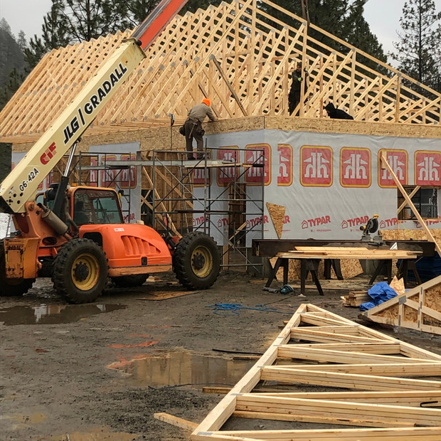 Construction of our own shop. Flying trusses with zoom boom.