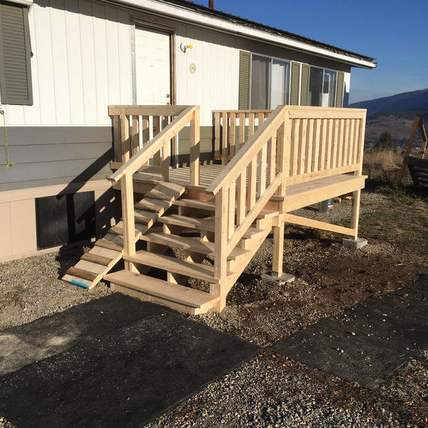 Small deck with dog ramp