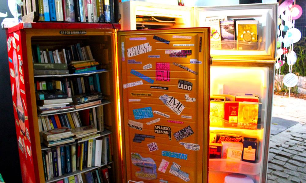 Geladeira de livros na Merederia