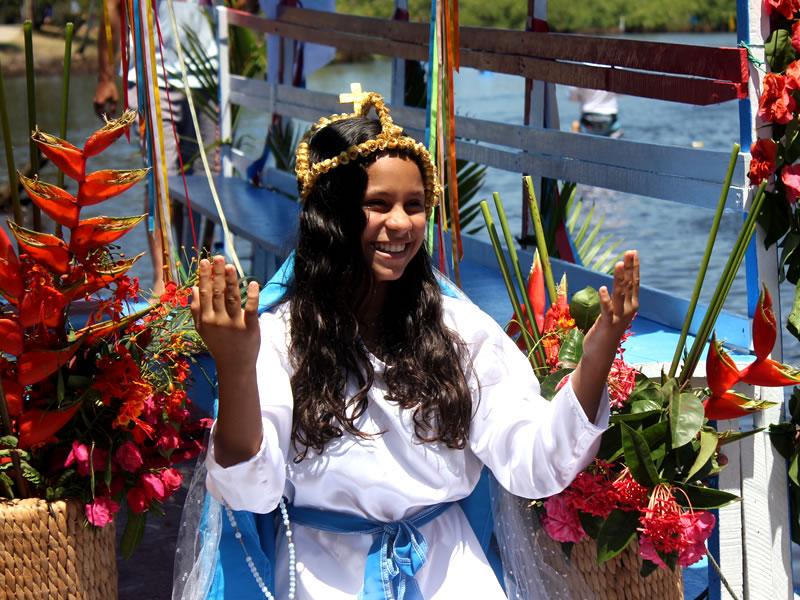 Hmenagem a Nossa Senhora das Dores, padroeira de Imbassaí, na Regata de Jangadas