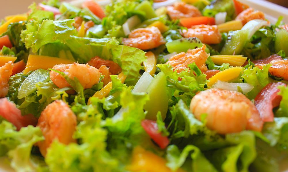 Salada de Camarão do Sabores na Janela