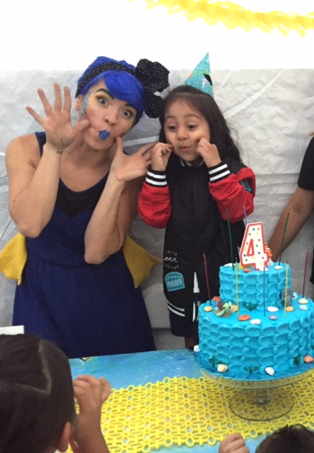 Dory Birthday Party Character