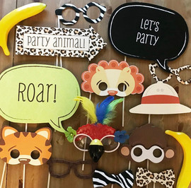 Jungle_themed_photo_booth_props
