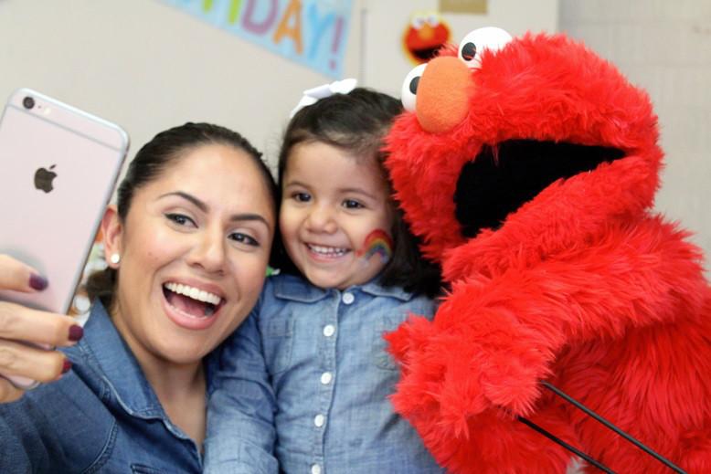 Elmo Puppet Show