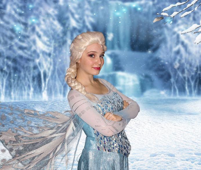 Elsa birthday party character