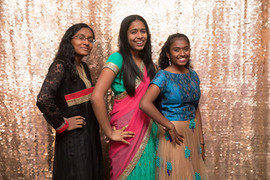 Gold_sequin_backdrop_at_sweet_sixteen_ev