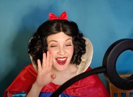 Snow_White_princess_singing_class.jpg