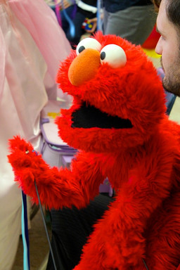 Elmo_character_for_parties.jpg
